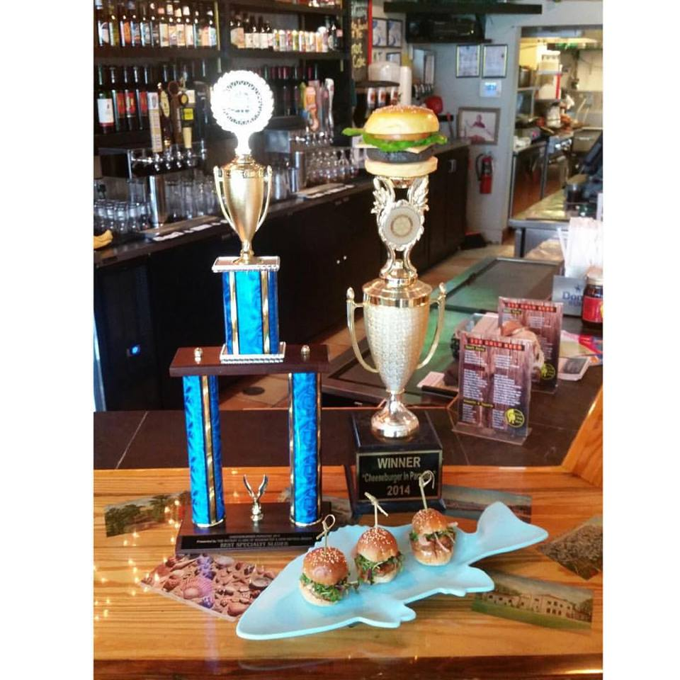 YDE Kitchen & Bar in NSB Win Cheese Burger In Paradise!